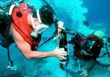 Ì ạch sửa tuyến cáp quang biển APG