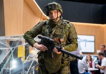 """Ra mắt quân phục giúp người lính trở thành """"Super Man"""""""