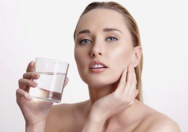 Những lợi ích tuyệt vời từ việc uống nước khi bụng rỗng