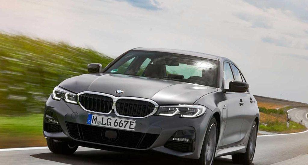 BMW 330e 2020 có nhiều tính năng mới, khả năng tăng tốc đáng nể
