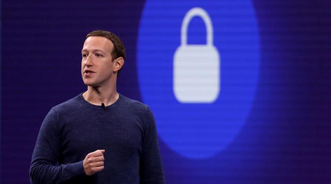 Facebook cực khôn khi để cộng đồng dọn rác cùng mình