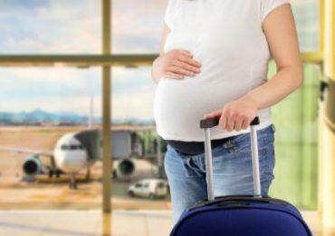 Phụ nữ mang thai cần lưu ý những điều gì khi đi máy bay?