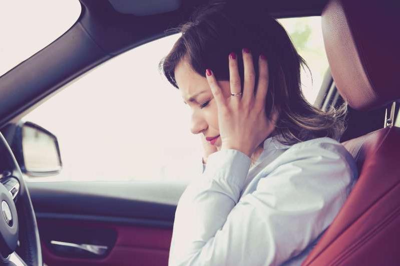 Làm sao khi ô tô bị rung, ồn?